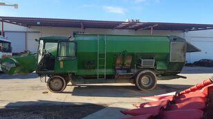 TATOMA TMS16 self propelled feed mixer